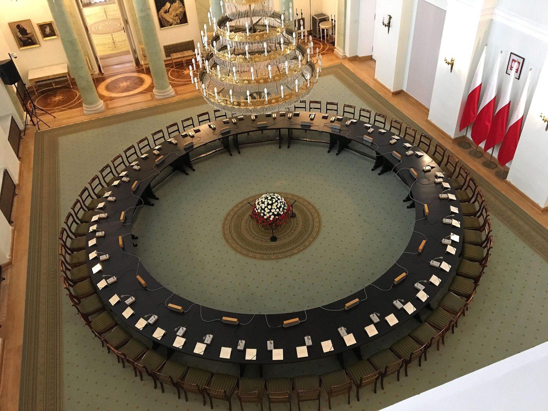 Okrągły Stół – niewiele więcej niż początek początku