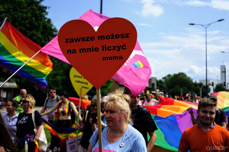 Rodzice osób LGBT: to nie homolobby, lecz homofobia niszczy rodzinę